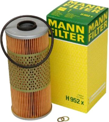Image of 1988-1990 BMW 750iL Oil Filter Mann-Filter BMW Oil Filter H952X